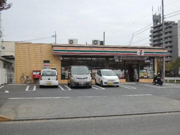 セブンイレブン八王子堀之内店の画像1