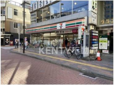 セブンイレブン 大田区西蒲田8丁目店の画像1
