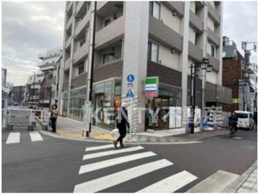 ファミリーマート 大田梅屋敷駅前店の画像1