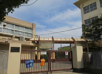 神戸市立玉津中学校の画像1