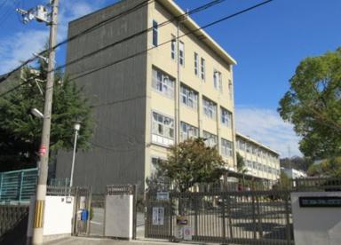 四條畷市立四條畷中学校の画像1