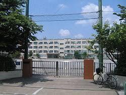 足立区入谷中学校の画像1