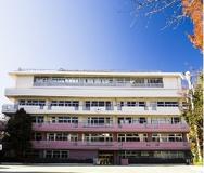 文京区立本郷小学校