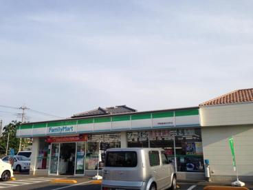 ファミリーマート 伊勢崎連取元町店の画像1