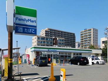 ファミリーマート 松山湘南江ノ島店の画像1
