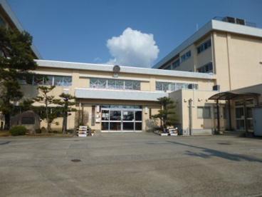 新潟市立新通小学校の画像1