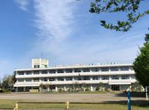 鴻巣市立屈巣小学校
