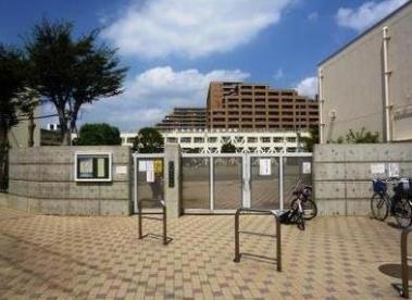 世田谷区立塚戸小学校の画像1