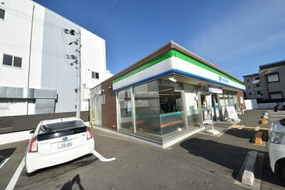 ファミリーマート 東大阪御厨栄町店の画像1