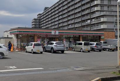 セブンイレブン 坂戸塚越店の画像1
