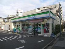 ファミリーマート 小豆沢二丁目店