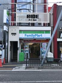 ファミリーマート石山駅前店の画像1