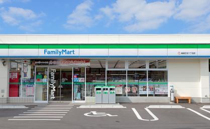 ファミリーマート 伝通院前店の画像1