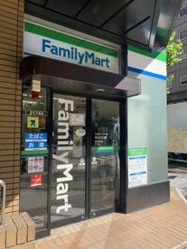 ファミリーマート ツルヤ神谷町店の画像1