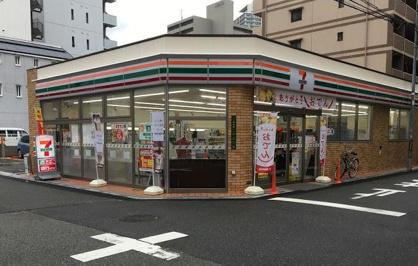 セブンイレブン 大阪天神西町店の画像1