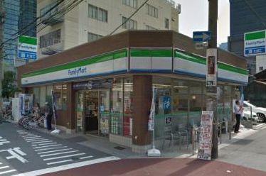 ファミリーマート K2梅田東店の画像1