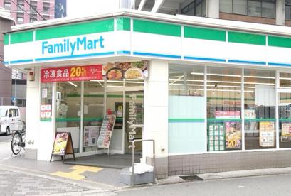 ファミリーマート 豊崎三丁目店の画像1