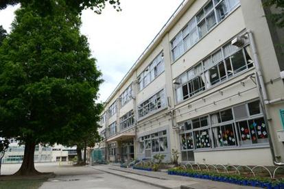 杉並区立桃井第一小学校の画像1