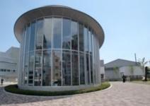 日本大学芸術学部図書館