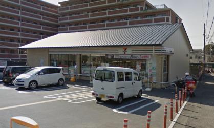 セブン-イレブン 伏見深草墨染町店の画像1