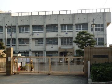 深井西小学校の画像1