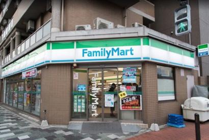 ファミリーマート赤羽駅南店の画像1