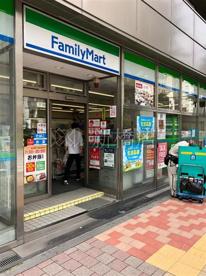 ファミリーマート 銀座松屋通り店の画像1