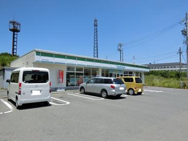 ファミリーマート 四日市川島店の画像1