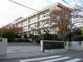 豊中市立第二中学校の画像1