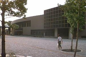 中図書館の画像1