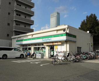 ファミリーマート 松崎町店の画像1