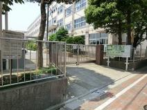 足立区立竹の塚中学校
