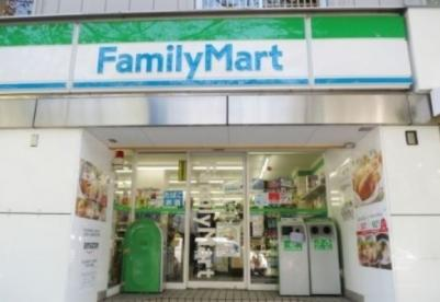 ファミリーマート九段下駅西店 の画像1