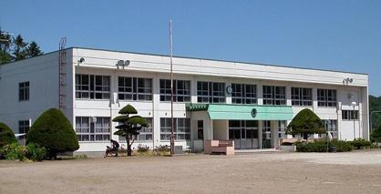 上仁頃小学校の画像1