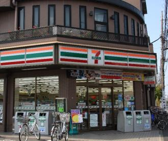 セブンイレブン 足立島根店の画像1