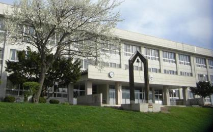 東陵中学校の画像1
