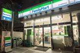 ファミリーマート 乃木坂駅前店