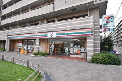 セブン-イレブン JR塚口駅前店の画像1