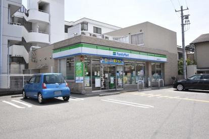 ファミリーマート 尼崎南塚口町店の画像1