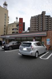 セブン-イレブン 小倉三萩野2丁目店の画像1