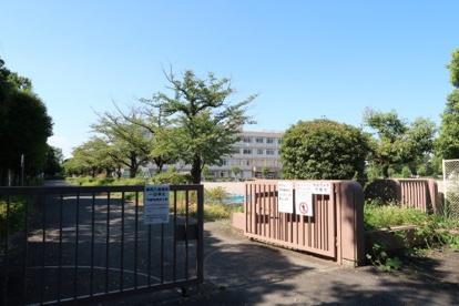 南鶴牧小学校の画像1