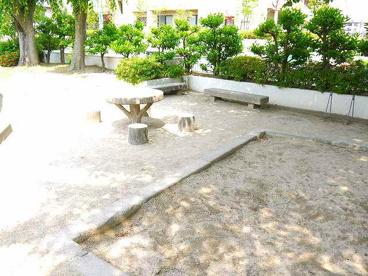 ローレルハイツあやめ池公園の画像3