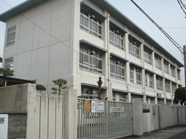 寝屋川市立第四中学校の画像1