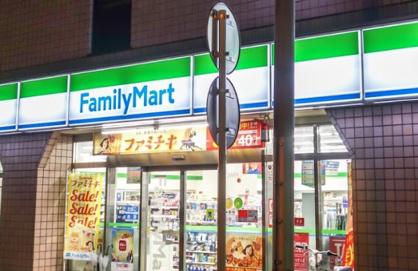 ファミリーマート 神田佐久間町店の画像1