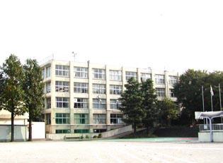 赤坂中学校の画像1