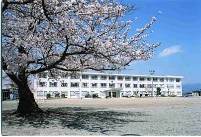 甲府市立石田小学校の画像1