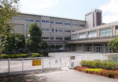 宝塚中学校の画像1