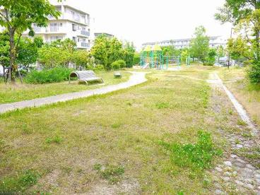 UR都市機構高の原駅前団地公園の画像1