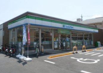 ファミリーマート 練馬西税務署前店の画像1