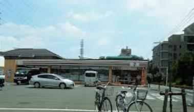 セブンイレブン 小平小川上宿店の画像1